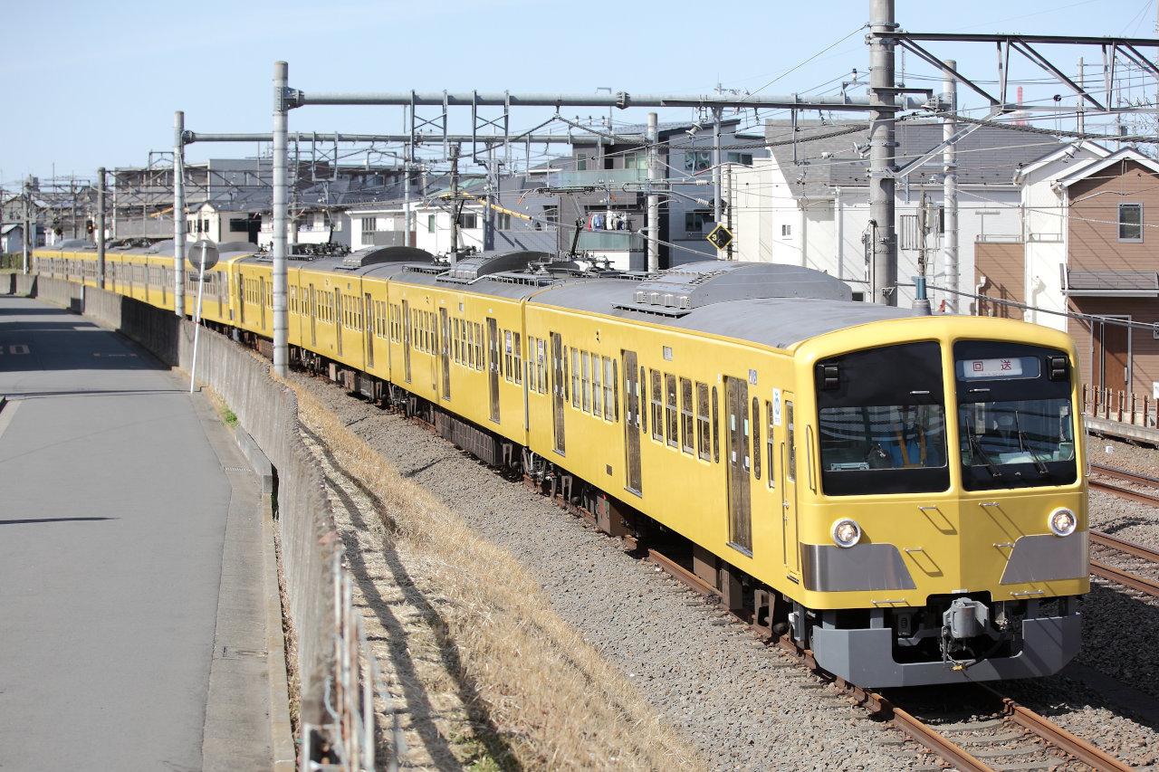 所沢~新秋津のJR連絡線を通過する263Fと245Fの甲種輸送列車